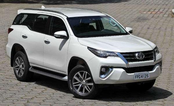 Nouveau Toyota SW4 2021