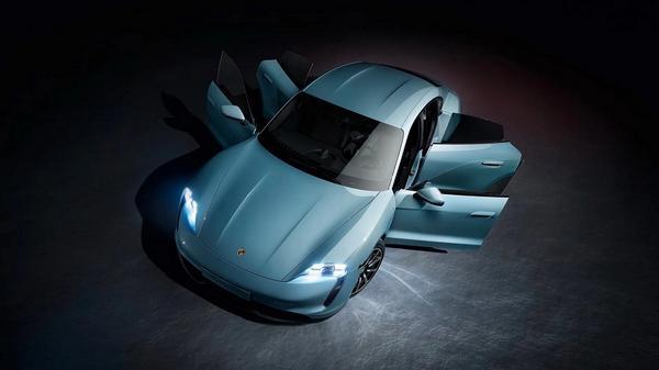 Nouveau 2021 Porsche Taycan 4S