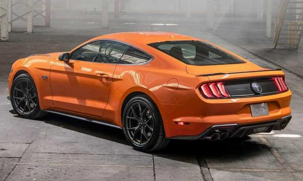 Ford Mustang EcoBoost 2021