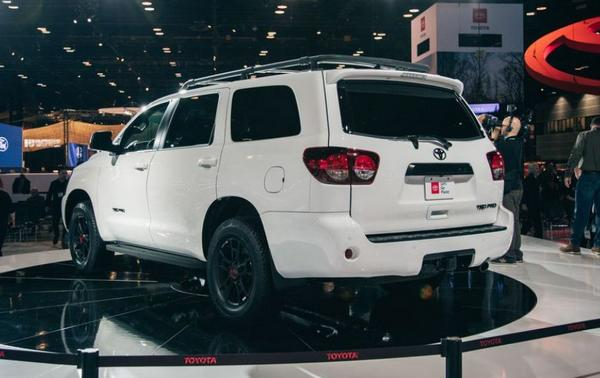 Toyota Sequoia 2021